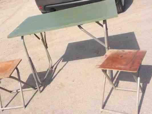 Стол и стулья армейский полевой фото