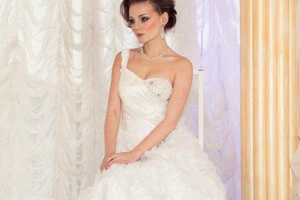 bcb138cff5eee27 Элегантное свадебное платье, купить в Хасавюрте, цена 5000 рублей ...